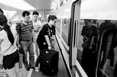洛阳龙门至广州高铁开通 全程只要7个多小时