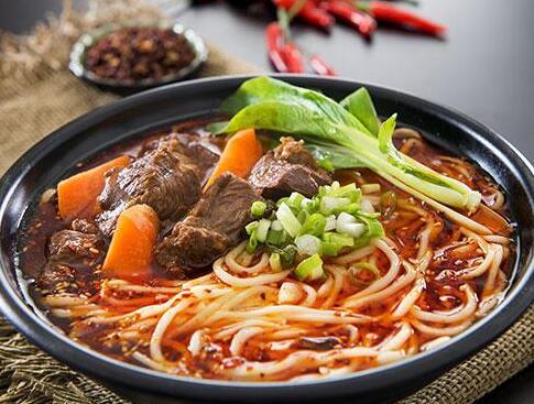 开一家老城街重庆小面馆费用高吗