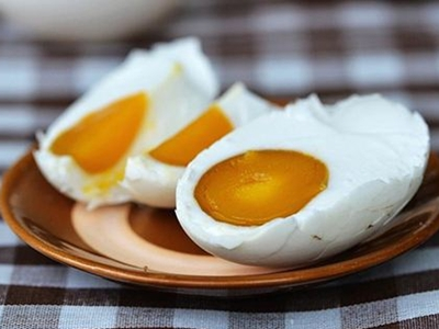 咸鸭蛋怎么腌制才出油