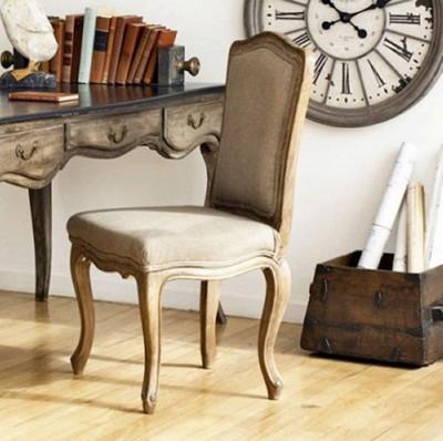 还是搭配欧式皇家风格的家具,甚至与简约现代的家居环境搭配,复古地板