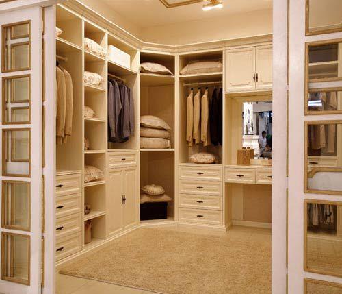 卧室衣柜内部布局应合理设计