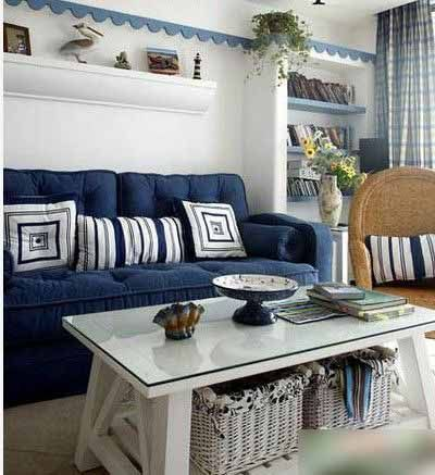 白色地砖搭配地中海风格, 麻制地毯,蓝色的沙发坐垫,白色色高清图片