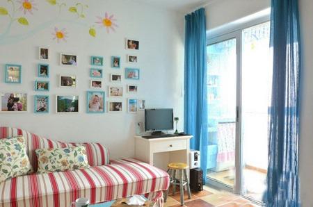 常见的客厅墙面装饰有哪些方法
