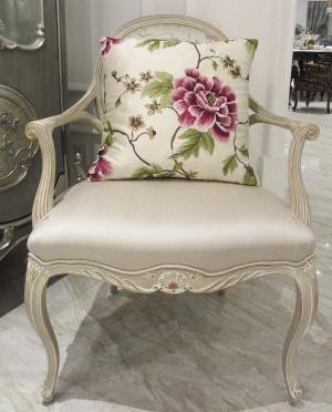 中式 绣花/犹如一朵雍容华贵的牡丹花绽放在素雅中,让行人因这椅中无限的...