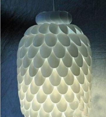9款创意灯点亮个性空间   利用简单的勺子和大矿泉水瓶,diy出来的创意