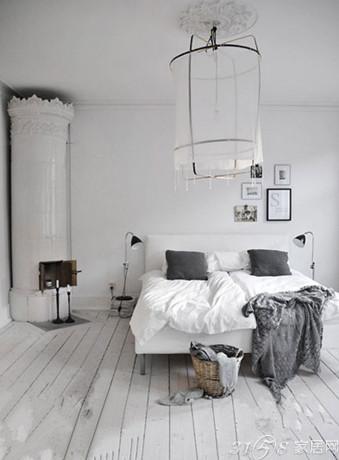 白色木地板 打造浪漫温馨爱情公寓