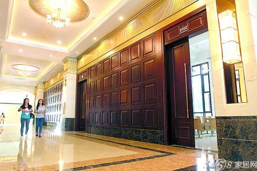 欧式教学楼入口大厅