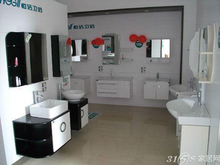 卫浴的店铺装修应给人洁净,舒适的 感觉,装修风格也要与产品的设计