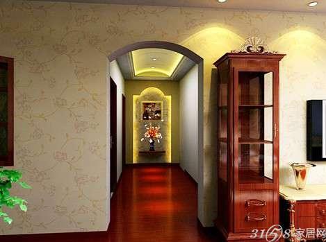 欧式门厅装修效果图三:用一条过道连接大门,是一种比较常见的做法