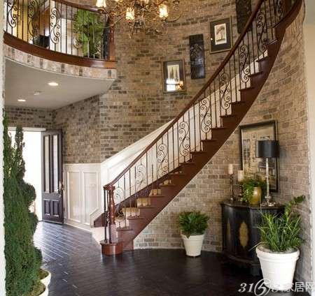 因此楼梯的装修风格必须和房子整体装修风格有一个很好的点缀作用.