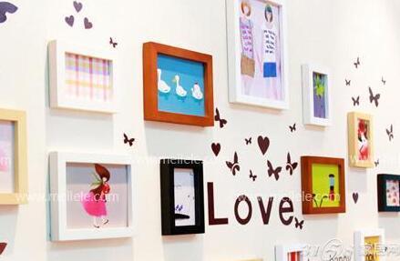 家宅当中,最适合摆放照片墙的最佳地点是客厅.