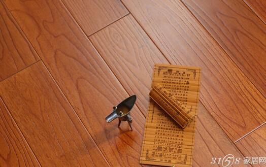 客厅装修的艺术美学 木地板打造百变风情家居