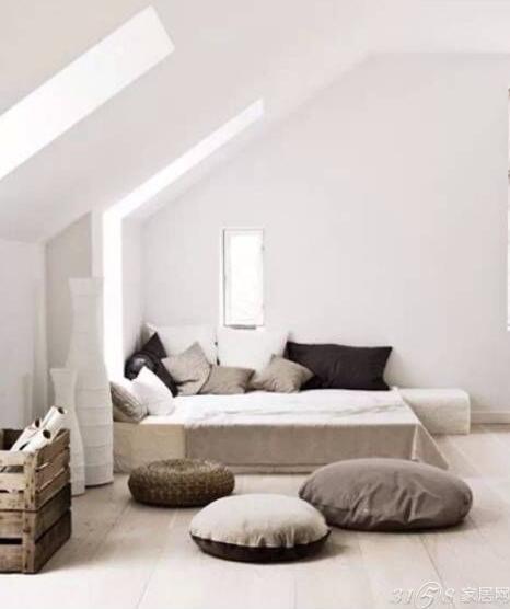 白色欧式家具配什么颜色墙纸