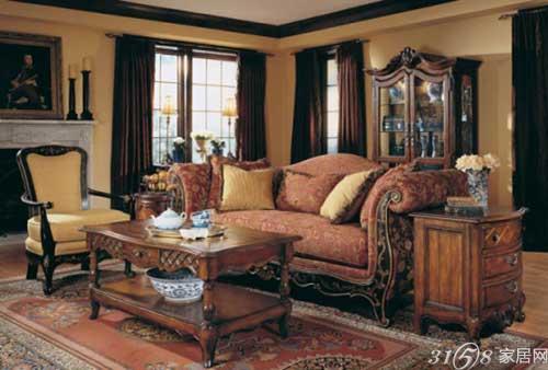 产品具有欧洲皇室贵族家具特点,上图这款古典风尚全新演绎黄牛珠光皮