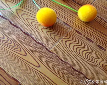 """实木地板增添了几道""""花纹""""怎么办?"""