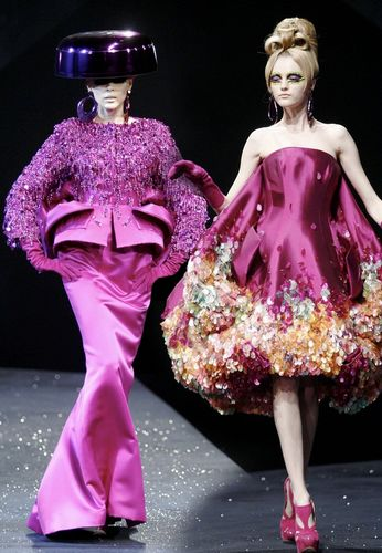 刺绣在现代服装中有哪些应用