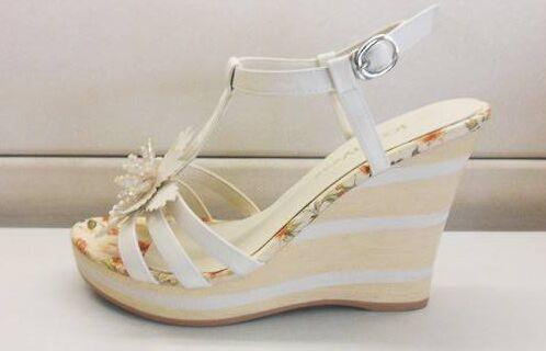 卓诗尼女鞋利润是多少