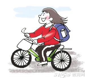 """""""该负责人说,每次放学,光骑车的学生们出校门就得半个多小时,再加上图片"""