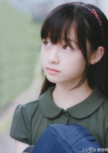 """日14岁萝莉爆红 网友惊呼""""千年一遇的天使"""""""