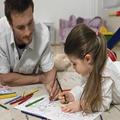 开家亲子教育培训机构怎么样?需要注意什么?