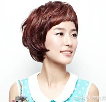 2014年短发烫发发型侧分中长流行+女生烫-31黎花烫发型怎么烫图片