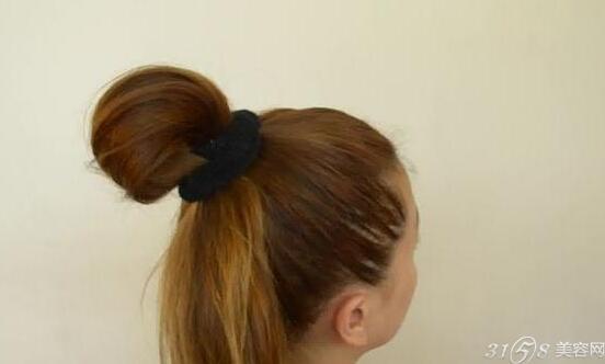 蝴蝶结发型扎法图解