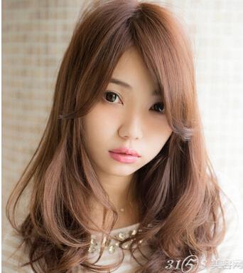 2015女生流行颜色发型 紧跟市场潮流风