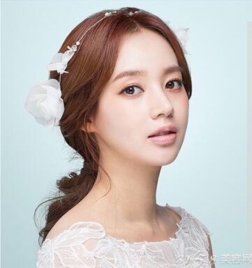 韩式婚纱照新娘发型 准新娘们必备图片