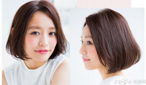 圆脸妹子适合的这款内扣短发发型看起来比较有成熟气质,搭配大侧分的