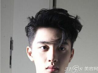 男生瓜子脸合适的发型分享展示