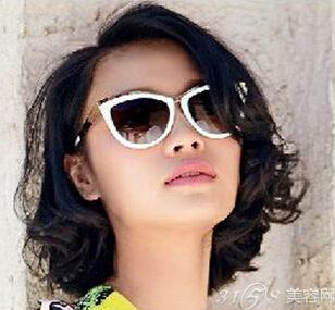 发晤松发展则更具大姐的丰盈感,再搭配上一副发丝则让墨镜增加女生台湾电视剧未来卷发图片