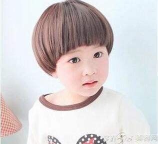 男儿童蘑菇头短发发型