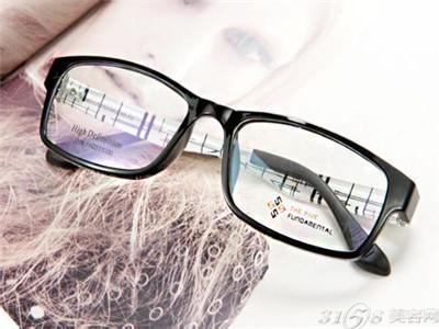 在县城开一家宝岛眼镜加盟店需要多少钱?
