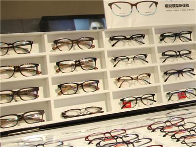 亿超眼镜加盟条件是什么?县级怎么加盟亿超眼镜
