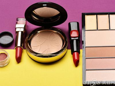 新手初学化妆需要买哪些化妆品