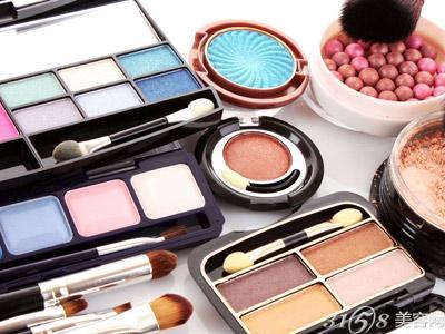 开化妆品加盟店的选址秘诀有哪些