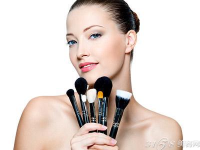 开化妆品加盟店的选择原则和技巧有哪些