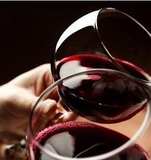 家庭小作坊式葡萄酒的酿造