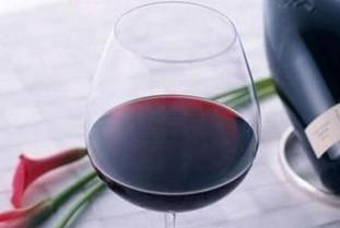 正确洗干净红酒杯的方法