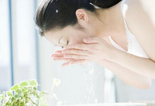 美容洗脸手法步骤视频