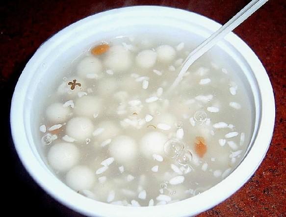 米酒汤圆的制作方法与功效