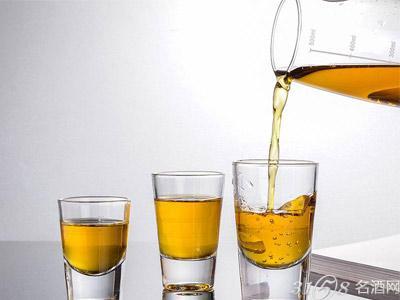 烈酒杯有什么用?喝什么酒用烈酒杯?