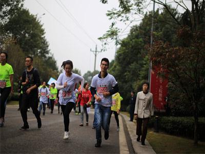 3158助力2017重庆马拉松已圆满结束