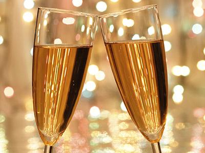 香槟酒怎么喝?喝香槟的技巧