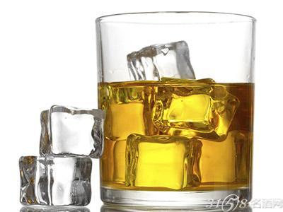 喝烈酒用什么酒杯