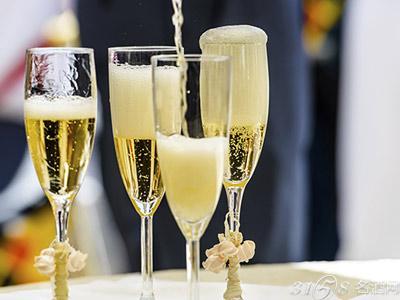 起泡酒和香槟有什么区别?