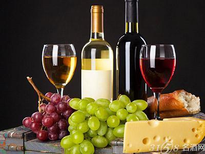 喝葡萄酒时加冰合适吗