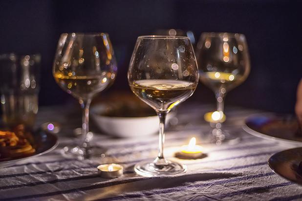 酿制葡萄酒的过程中必须要避开氧气