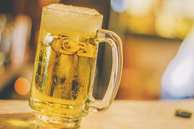 啤酒可以混着泡沫一起喝吗