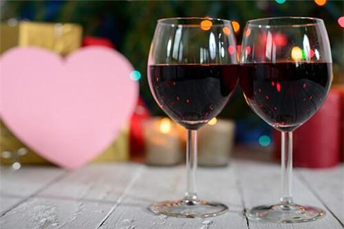 红酒一天喝多少最好 每天喝多少毫升红酒合适